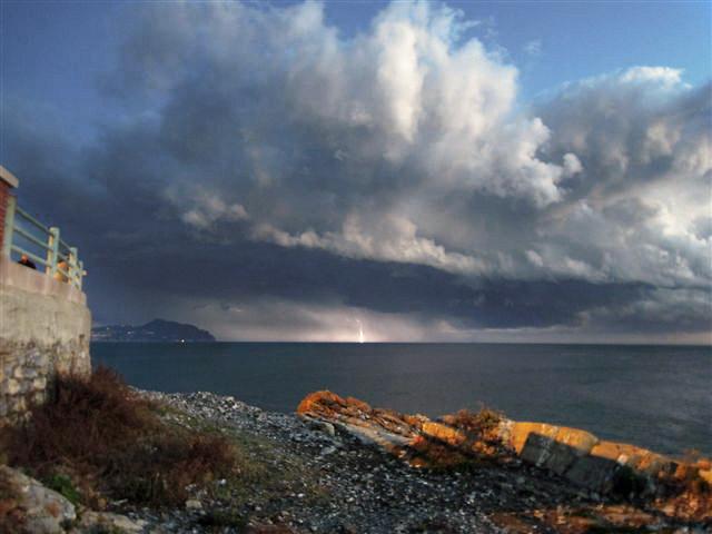 Acqua E Aria Rivista.Rivista Ligure Di Meteorologia 47 Tromba Marina Di Fronte A Genova